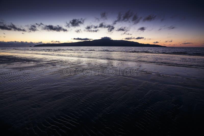 Por do sol da praia da costa de Kapiti fotografia de stock