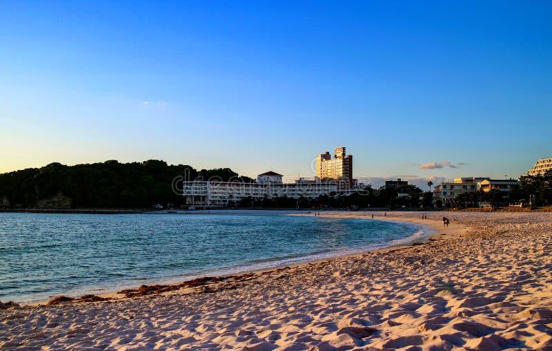 Por do sol da praia de Japão Shirahama imagens de stock royalty free