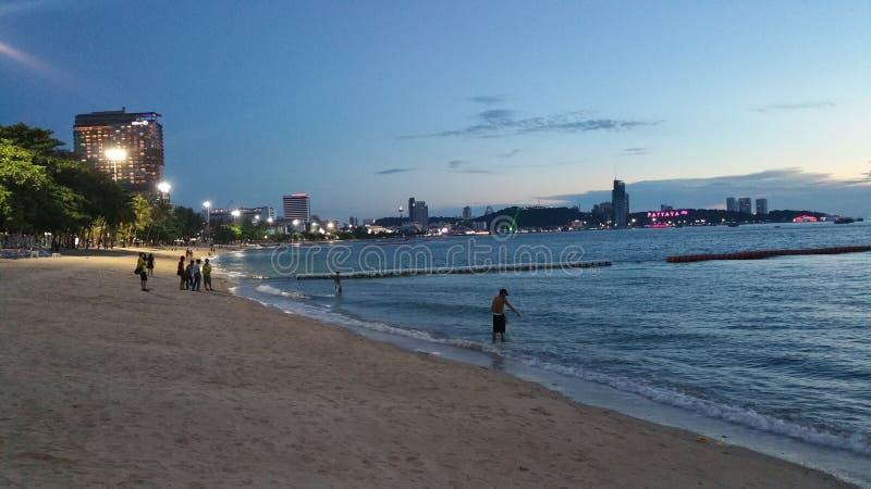 Por do sol da praia de Pattaya fotos de stock