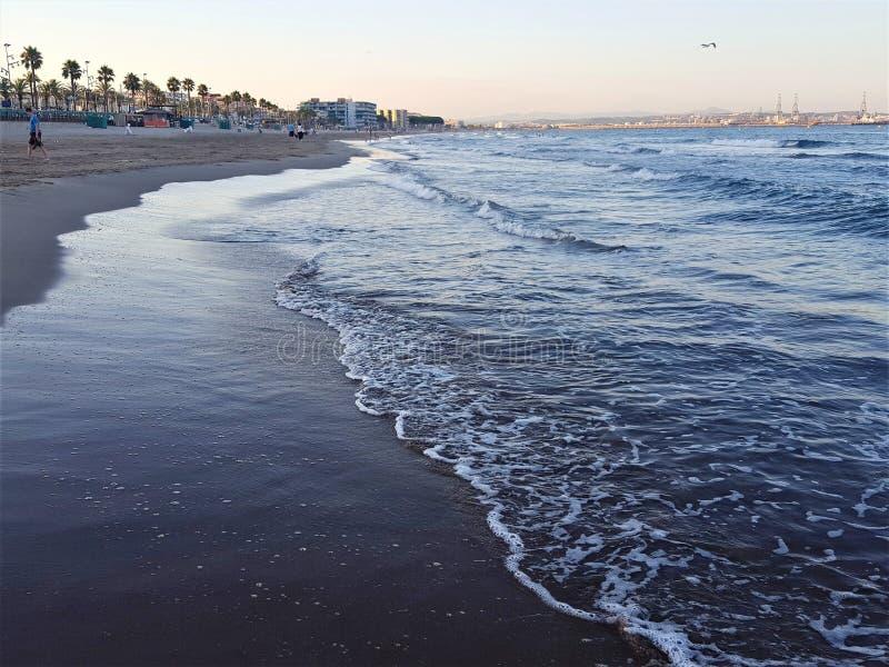 Por do sol da praia da Espanha foto de stock royalty free