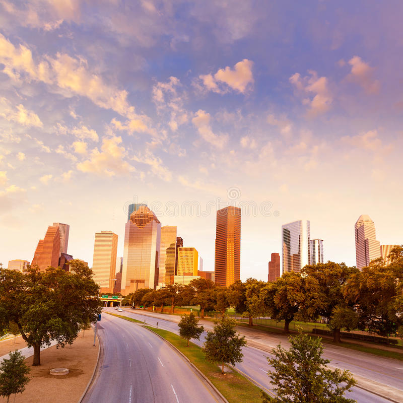 Por do sol da skyline de Houston de Allen Pkwy Texas E.U. imagens de stock royalty free