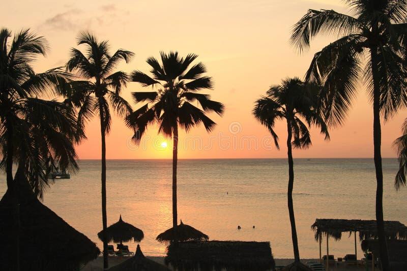 Por do sol de Aruba imagens de stock