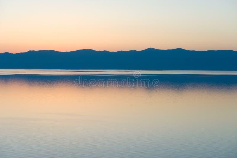 Por do sol de Baikal fotos de stock royalty free