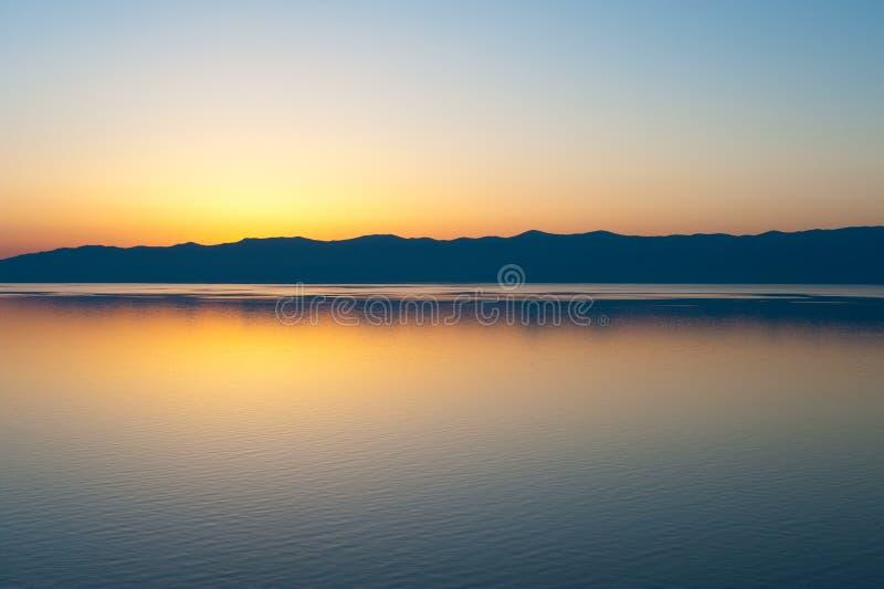 Por do sol de Baikal fotografia de stock royalty free