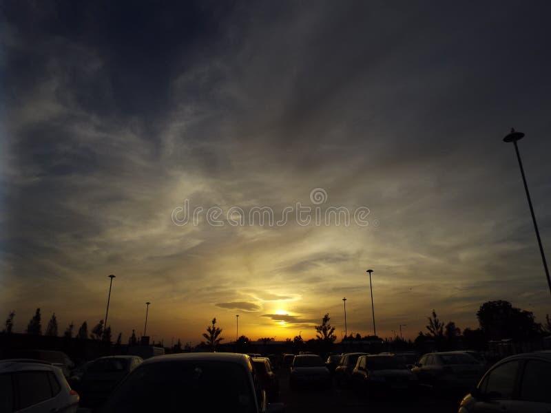 Por do sol de Carpark imagem de stock