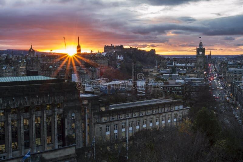 Por do sol de Edimburgo imagens de stock royalty free