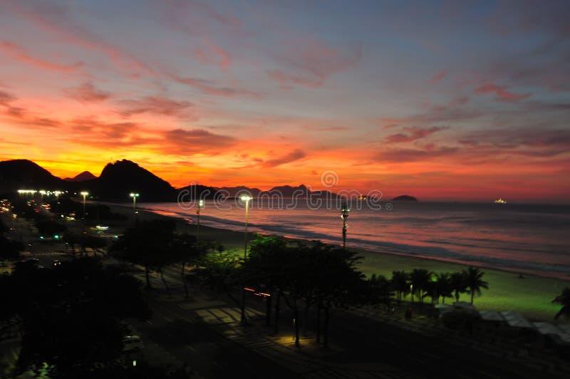 Por do sol de Fisrt no Rio imagens de stock royalty free