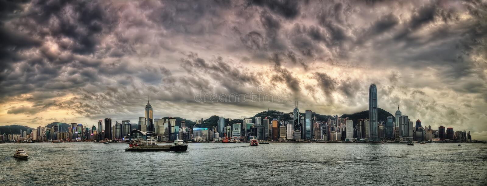 Por do sol de Hong Kong Skyline foto de stock royalty free