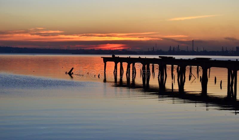 Por do sol de Montevideo imagens de stock