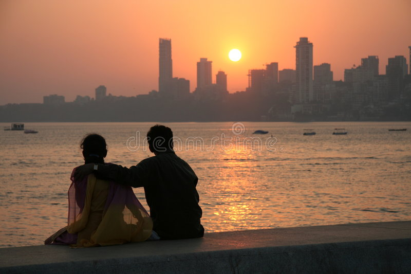 Por do sol de Mumbai fotos de stock