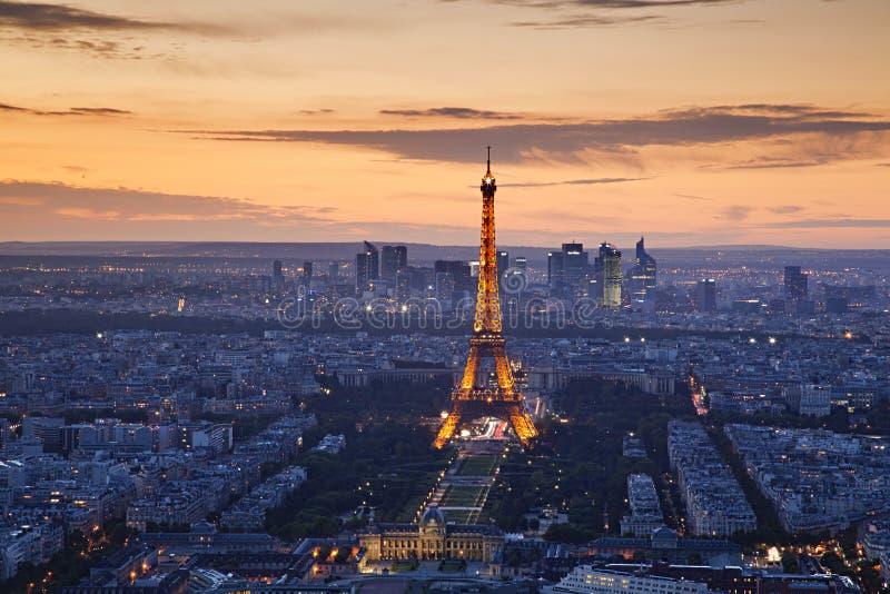 Por do sol de Paris imagens de stock