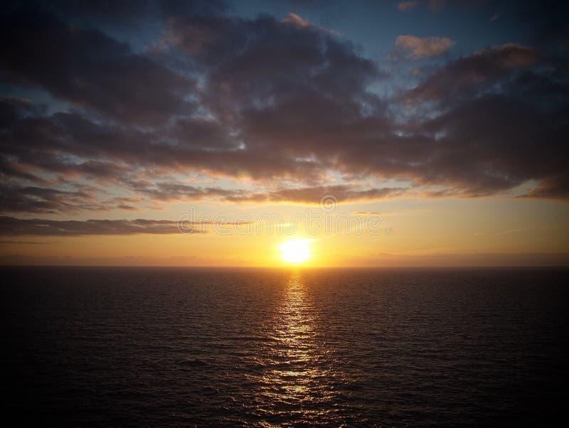 Por do sol de Perranporth fotos de stock royalty free