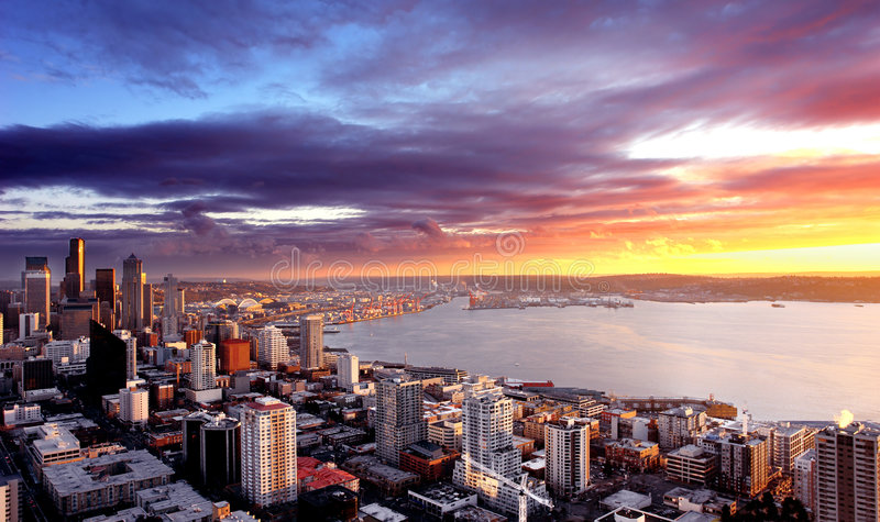 Por do sol de Seattle imagem de stock royalty free