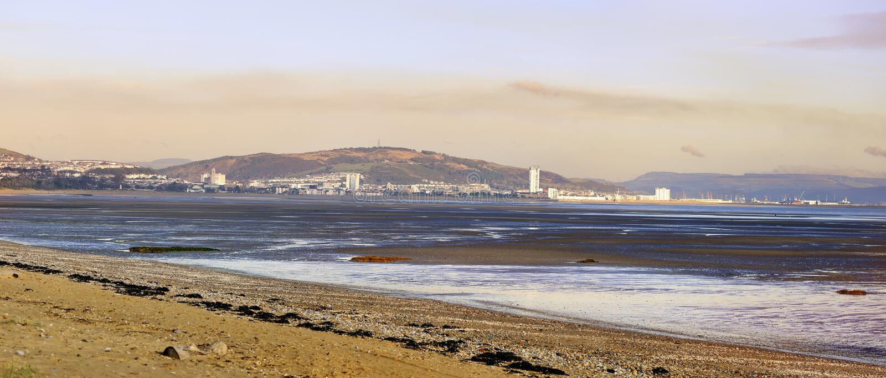 Por do sol de Swansea dos Mumbles fotos de stock royalty free