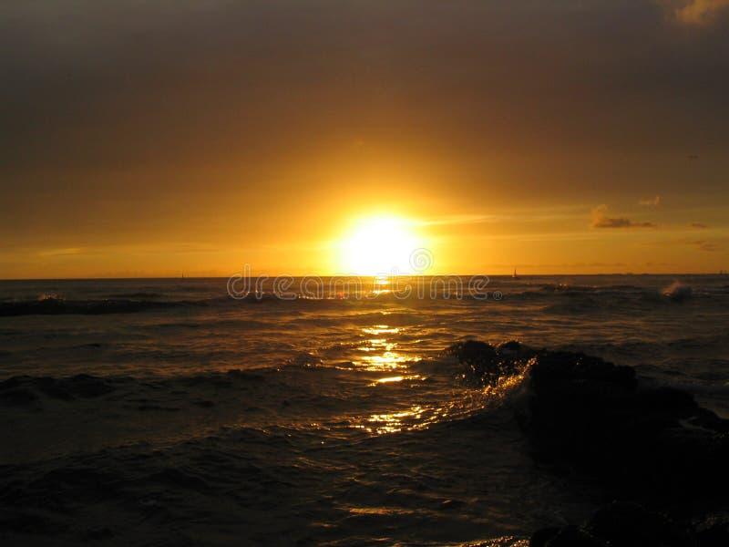 Download Por do sol de Waikiki foto de stock. Imagem de relaxation - 113538