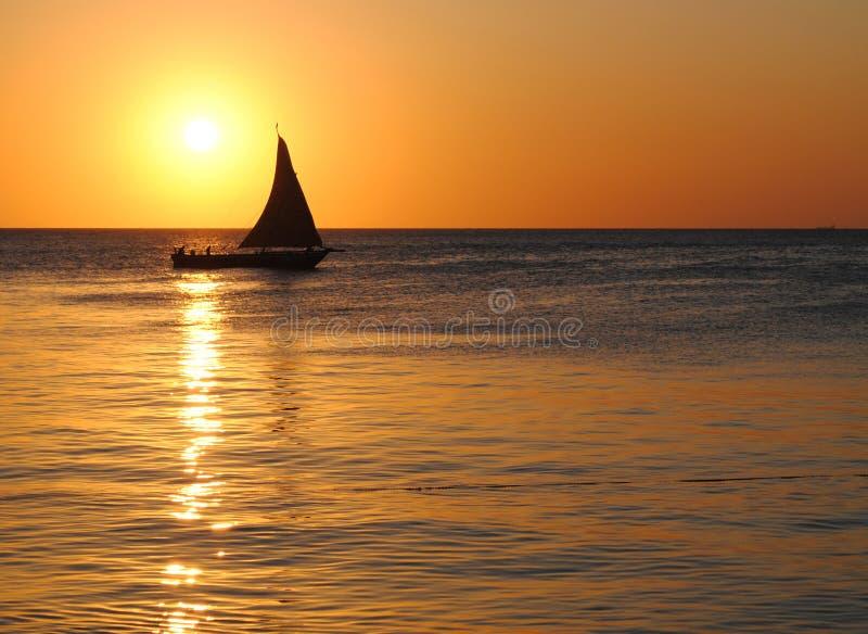 Por do sol de Zanzibar foto de stock