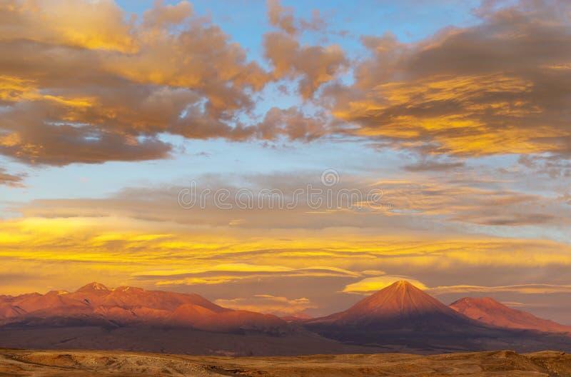 Por do sol do deserto de Atacama, o Chile, Ámérica do Sul imagem de stock royalty free