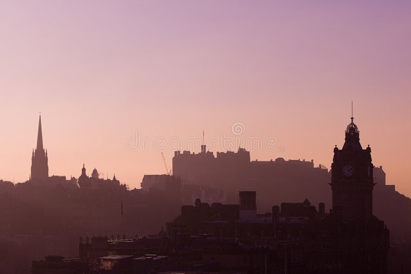 Por do sol do castelo de Edimburgo   fotografia de stock royalty free