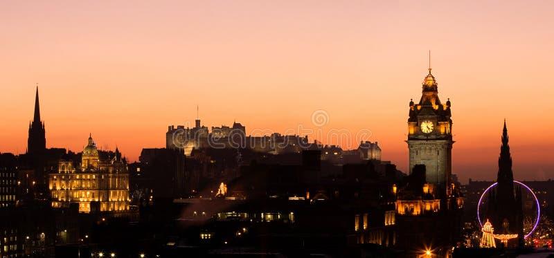 Por do sol do castelo de Edimburgo imagens de stock royalty free