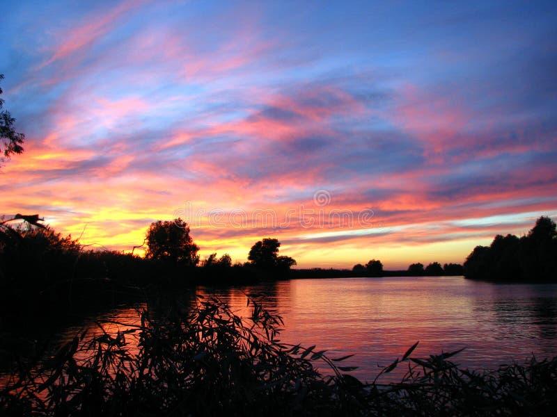 Por do sol do delta de Danúbio imagem de stock royalty free