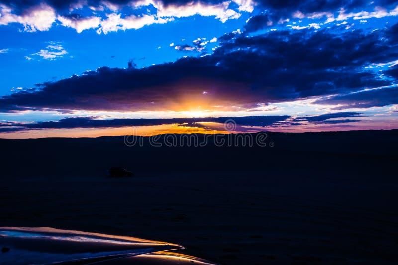 Por do sol do deserto de Siwa imagem de stock