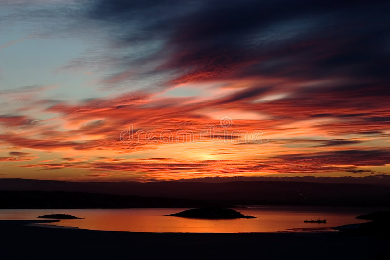 Por do sol do Fjord do inverno fotos de stock royalty free