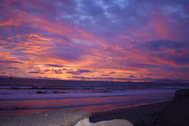 Por do sol do Huntington Beach imagem de stock royalty free