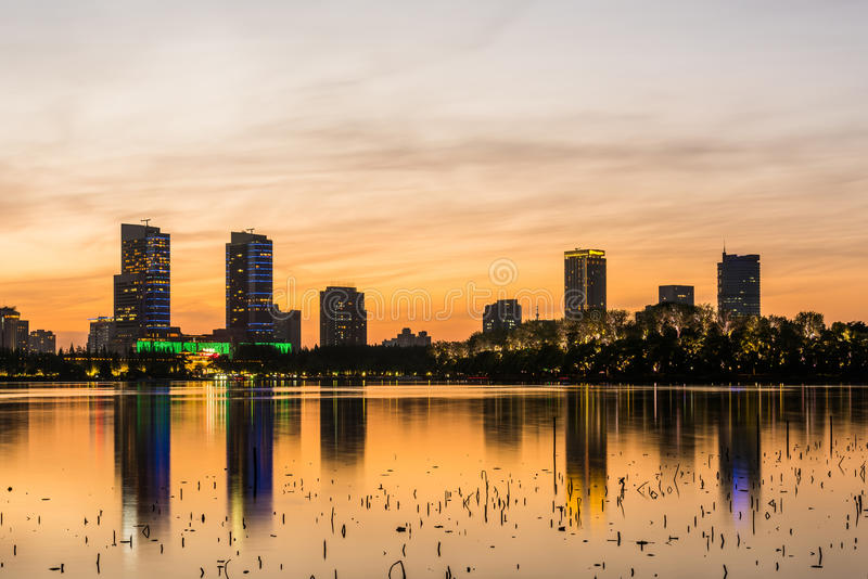 Por do sol do lago Xuanwu fotografia de stock royalty free