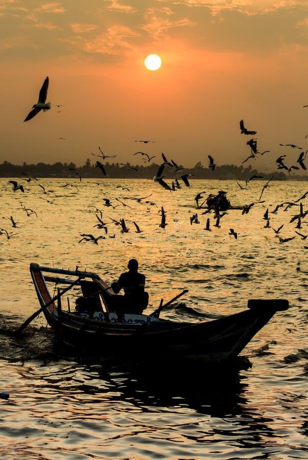 Por do sol do rio de Yangon fotografia de stock