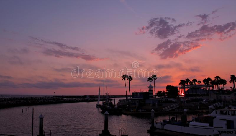 Por do sol doce no rei Harbor, Redondo Beach, Los Angeles, Califórnia fotografia de stock royalty free