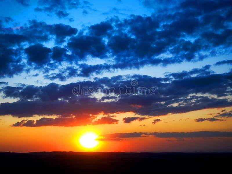Por do sol e céu