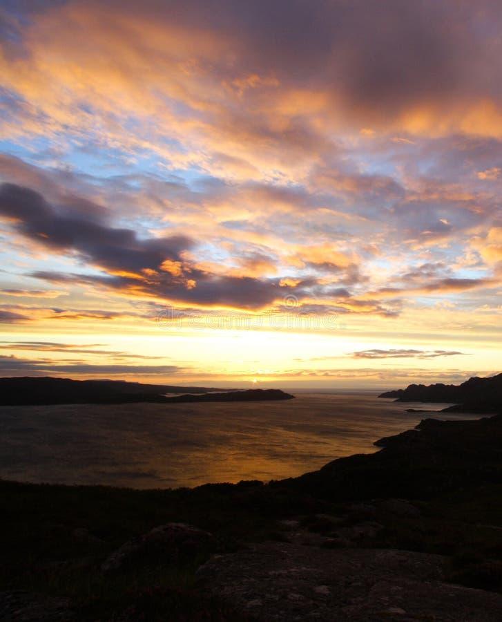 Por do sol e loch Torridon, Scotland fotografia de stock royalty free