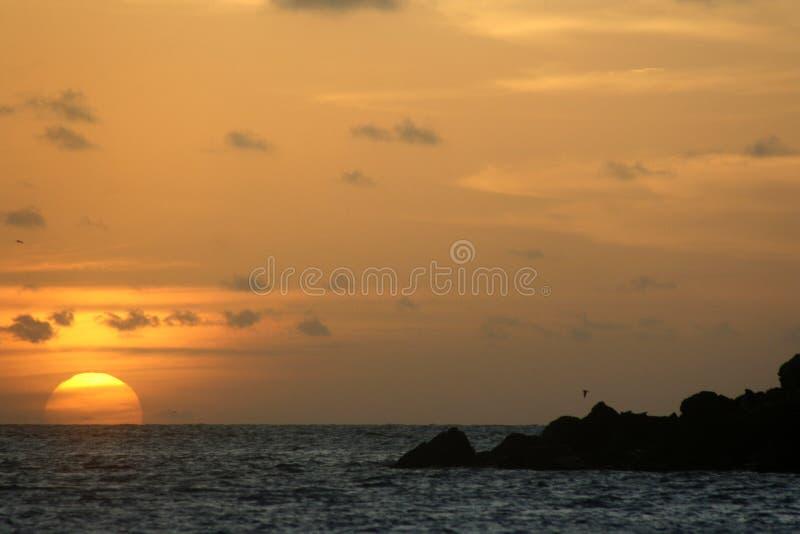 Por do sol em Abrolhos imagem de stock