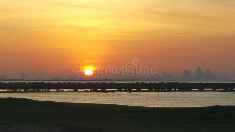 Por do sol em Abu Dhabi fotografia de stock royalty free