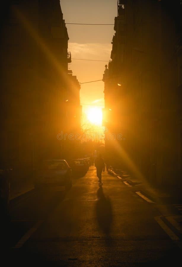 Por do sol em Barcelona foto de stock