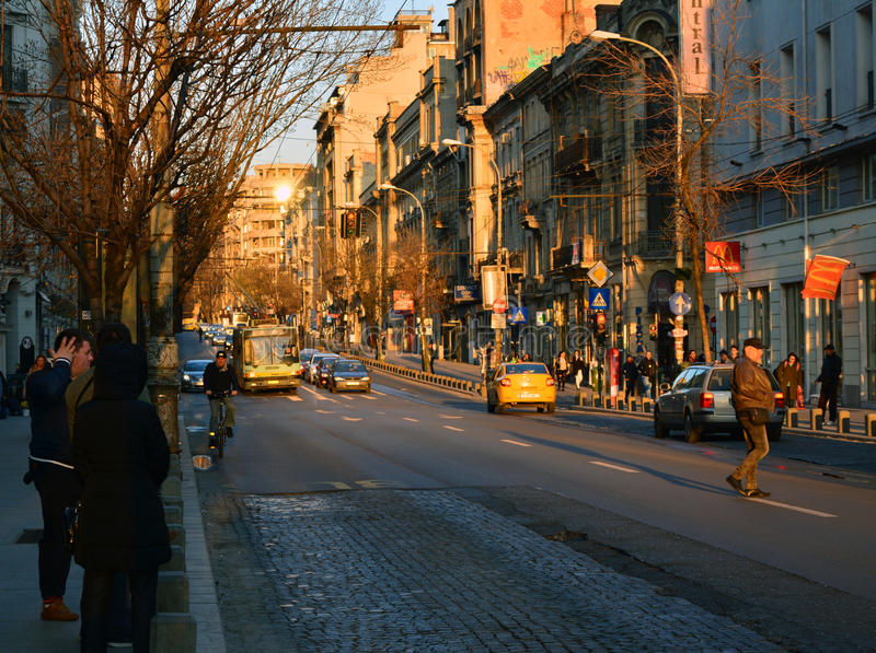 Por do sol em Bucareste fotografia de stock royalty free