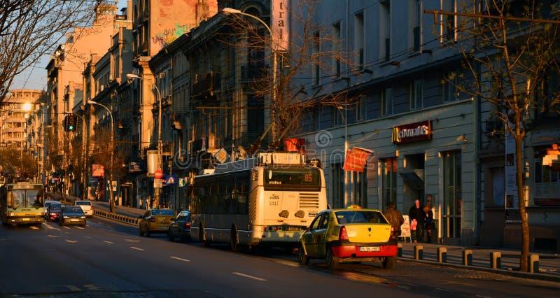 Por do sol em Bucareste imagem de stock
