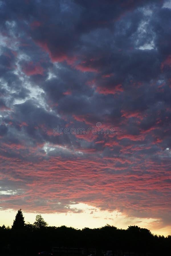 Por do sol em cupertino foto de stock royalty free