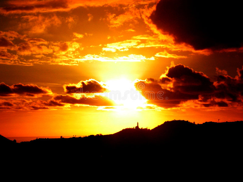 Por do sol em Funchal fotos de stock