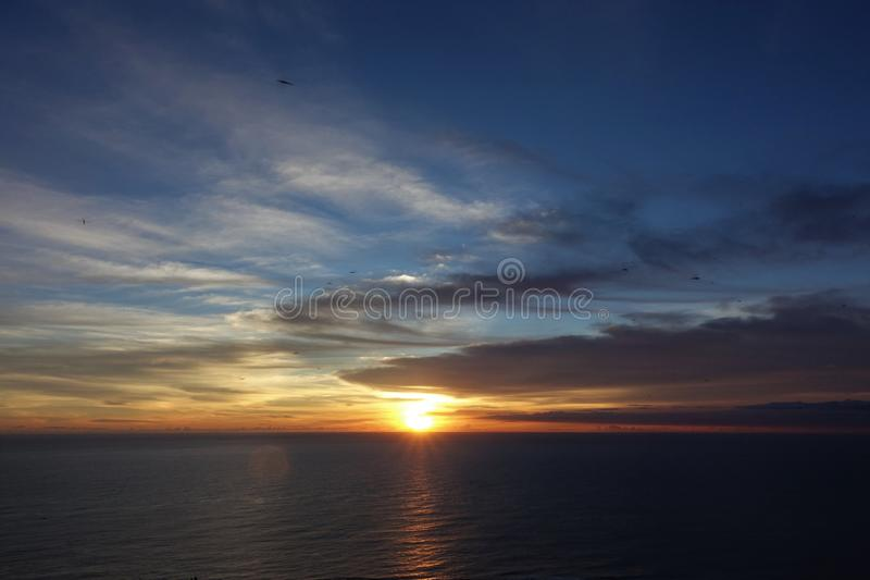 Por do sol em guanshan de Taiwan fotografia de stock royalty free