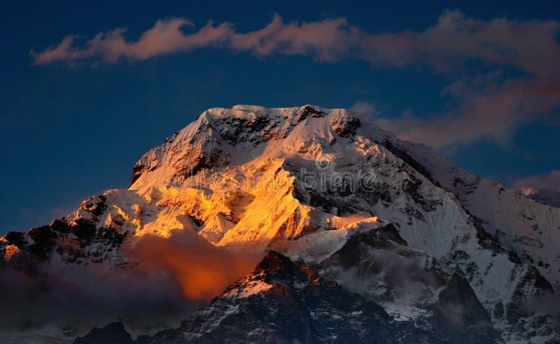 Por do sol em Himalaya imagens de stock