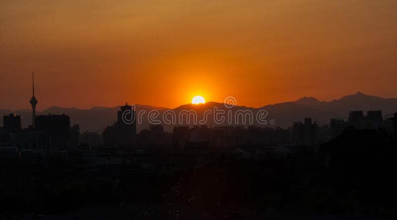 Por do sol em Jing Hill fotos de stock royalty free