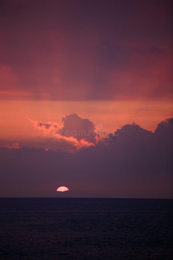 Por do sol em Keauhou Havaí imagem de stock
