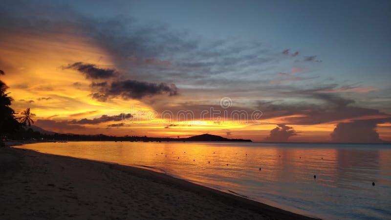 Por do sol em Koh Samui imagem de stock