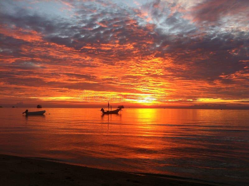 Por do sol em Koh Tao imagens de stock royalty free