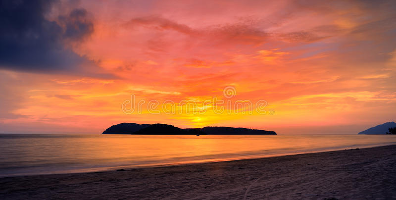 Por do sol em langkawi imagem de stock