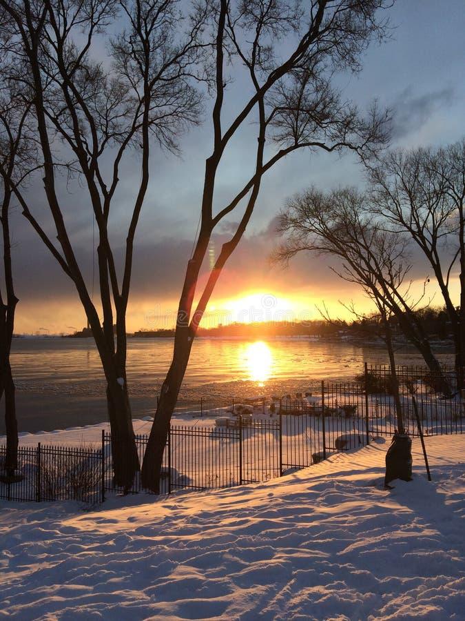 Por do sol em Len Ford Park em Toronto, Ont?rio, Canad? inverno 2018 foto de stock royalty free