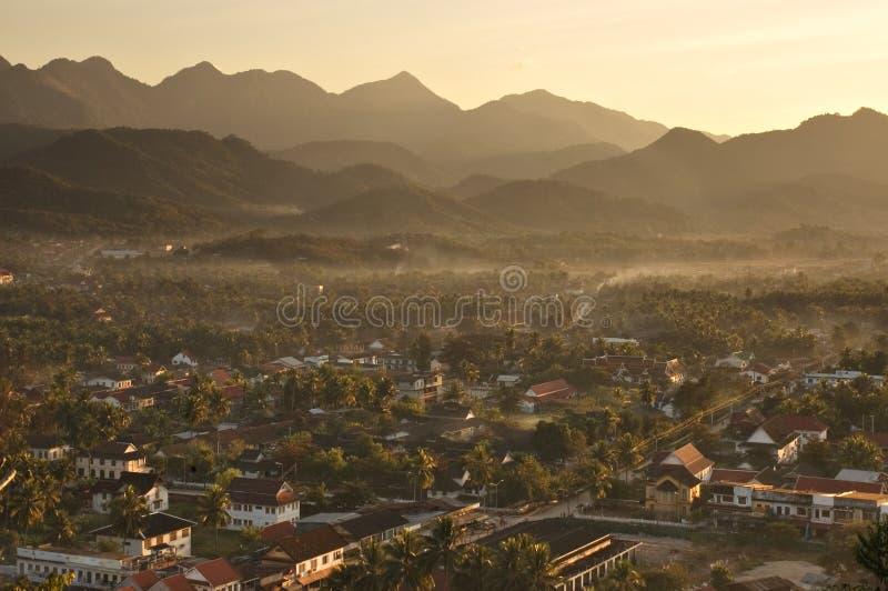 Por do sol em Luang Prabang foto de stock royalty free