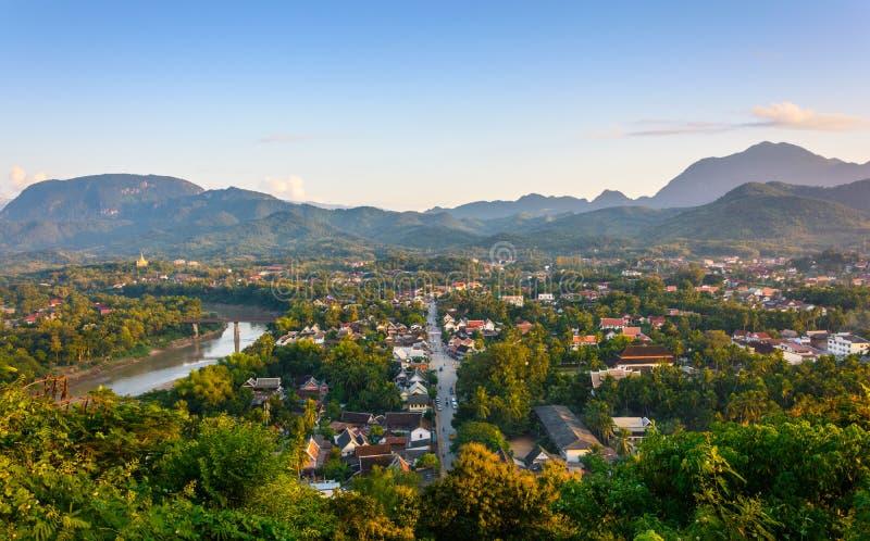 Por do sol em Luang Prabang imagens de stock royalty free