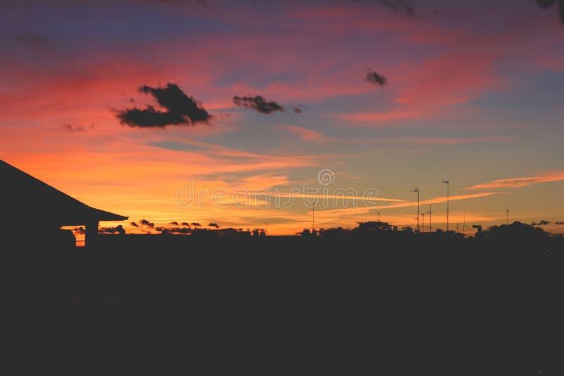 Por do sol em Madrid imagens de stock